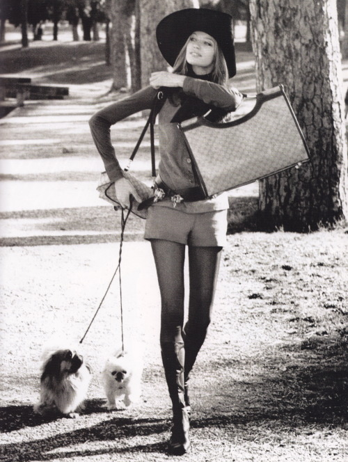 Veruschka in the Borghese Gardens-Rome, outfit by Gucci, knee-high black leather boots by Valentino (1971). Image scanned by Sweet Jane.