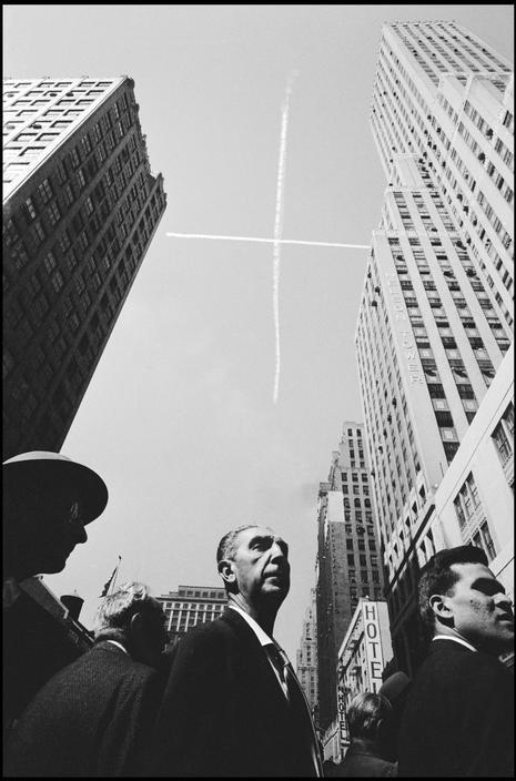 snowce:  Burt Glinn, New York City, 1959