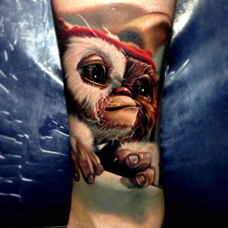 thievinggenius:  Tattoo done by Nikko Hurtado.
