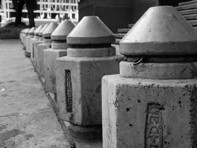 caracascaos:  Balas de concreto by Helen ! on Flickr.