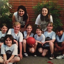Remember that one year we coached a basketball team? @tamarastein 🐉🏀 #tbt #basketball #coaches #thirdandfourthgraders #missiondragons #morpd #misscoaching #nofilter
