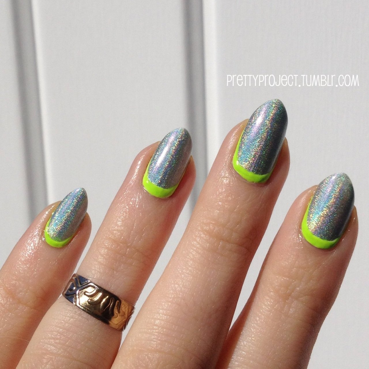 prettyproject:  Neon ruffian & holographic magic w/ Floss Gloss Con Limon and Layla Jade Groove. Inspired by the talented Christina aka PrimaCreative or ThisIsPrima on IG.