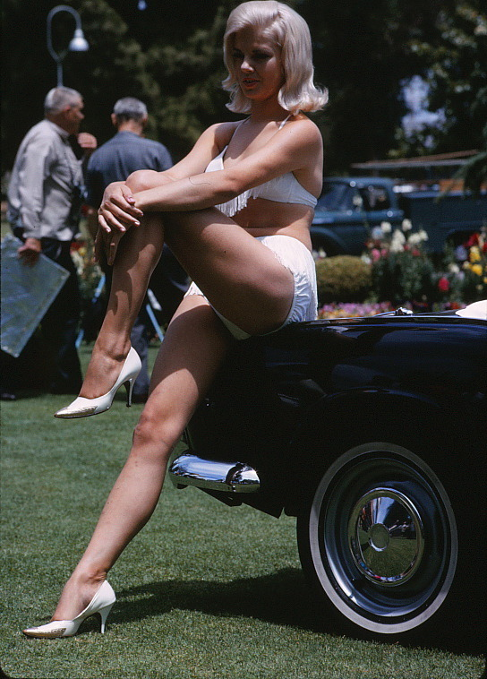 retrogirly:  60s Car show model.