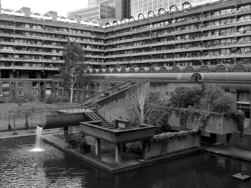 Barbican lake. Feb 2010.