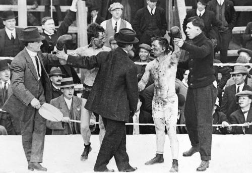 criminalwisdom:  Boxing match between Roy Campbell and Dick Hyland, Steveston, 1913 Source: WJ Cairns, City of Vancouver Archives #Sp P98.1 Via pasttensevancouver Check out the condition of those two mugs. Pure brutality.