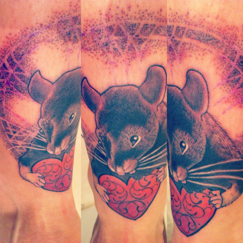 ellaexodus:  done by SAM RULZ - Studio - VIENNA ELECTRIC TATTOO ! Luise R.I.P  Lil Ratty memorial on my homie Ella