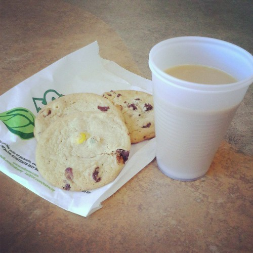 #BrakeTime #coffee #cookies #subway #seattlesbestcoffee #mandmcookie #chocolatechipcookie