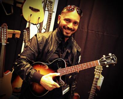 New electric 'ukulele offering from my guitar sponsor Godin