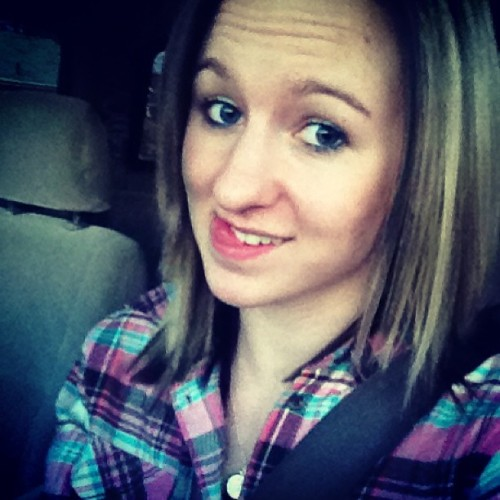 New hairrrrr ;P #haircut #winterbreak #plaidflannel #driving