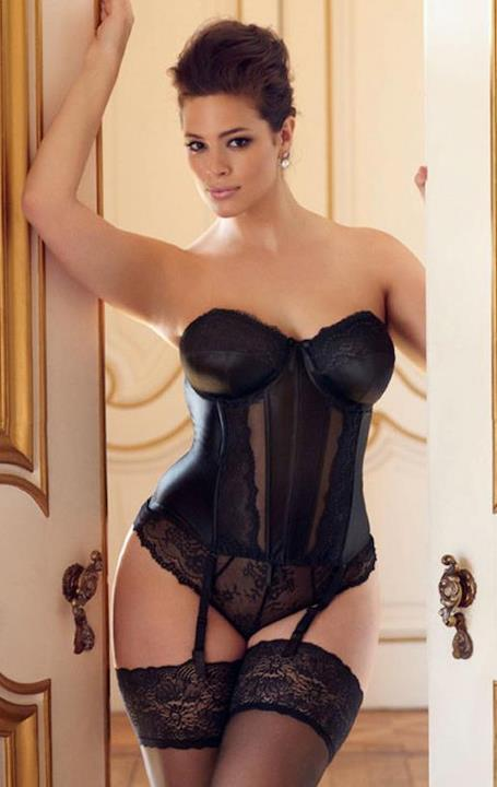 thecurvysocialite:  Ashley Graham for Elomi lingerie