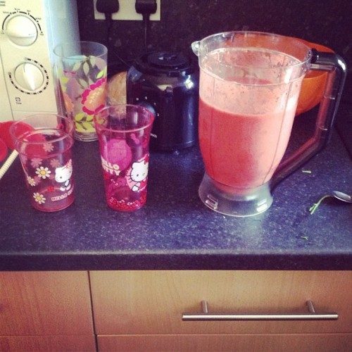 I made far too much smoothie. Filled these two for breakfast and still had two glasses left over for now. #toofull