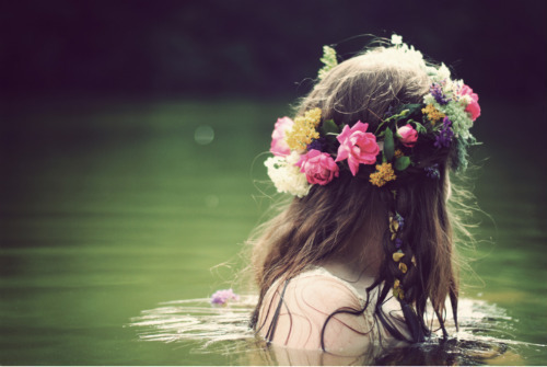 Flowers | via Tumblr no We Heart It. http://weheartit.com/entry/74322165/via/sahar_134