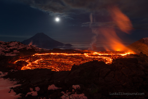 neil-gaiman:  odditiesoflife:  A Glimpse of Hell - Stunning Shots of an Active Volcano Two Kyrgyzstan-based photographers, Andrew and Luda, trekked to the Kamchatka Peninsula in Russia where the volcano complex known as Tolbachik was in active eruption. Among the numerous hellish vistas photographed by the team was this deep volcanic cave that offered a glimpse of what it might look like below the Earth's crust.   beautiful.