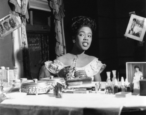 Sarah Vaughan, born on this day in 1924 in Newark, NJ, in her dressing room in Chicago, 1948. I wonder which fragrance she was using? Photo: Ted Williams.