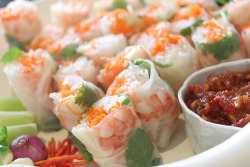 foodescapades:  Vietnamese Rice Rolls  better with peanut sauce tho