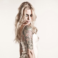 jimadelphia2012:  Gin Wigmore. One of the few girls I'd turn straight for. #ginwigmore #hotness