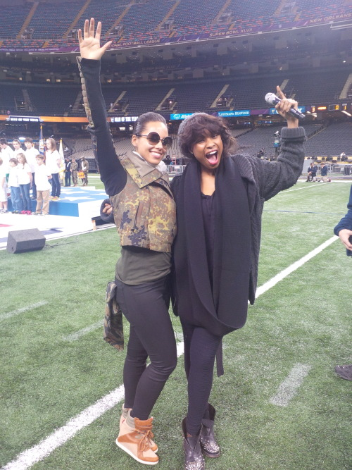 Alicia Keys and Jennifer Hudson prep for the Super Bowl.