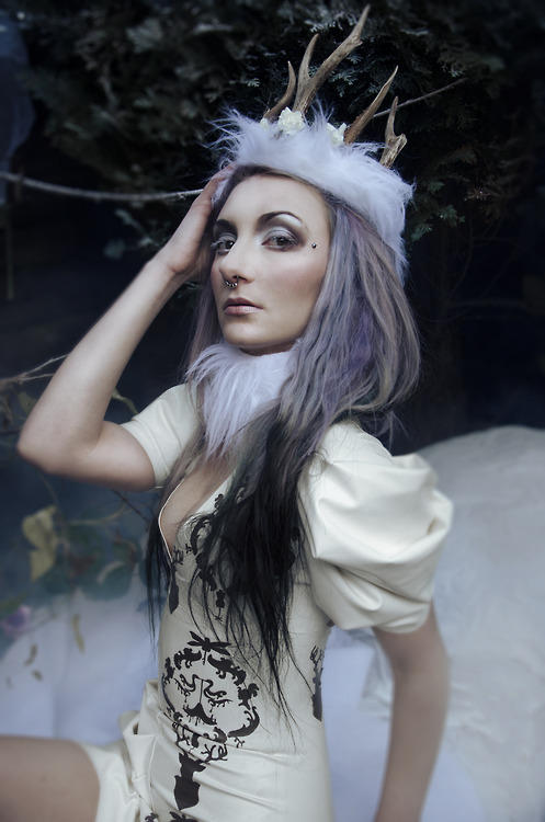 biomechanina:  Eustratia winter wonderland by Katelizabeth photography, make up by Laura Wilson