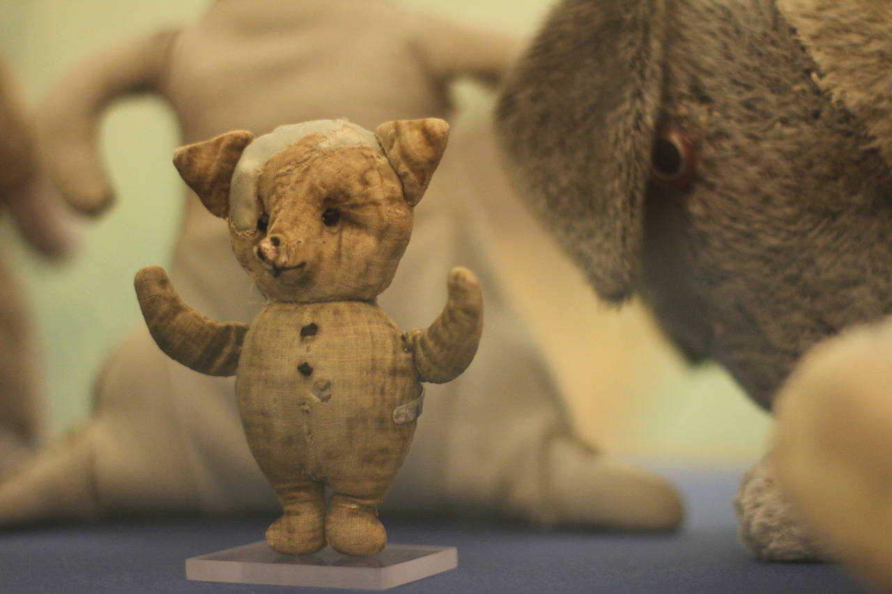 bookorithms:  Christopher Robin Milne's piglet - the original piglet.