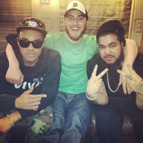 "mikeposnerhits:   ""My brothers @maejorali Spiff TV"" - Mike Posner  Bei Maejor, Mike Posner and Spiff TV at last night's Justin Bieber 'Believe Tour' in Orlando, FL 1/25/2013."