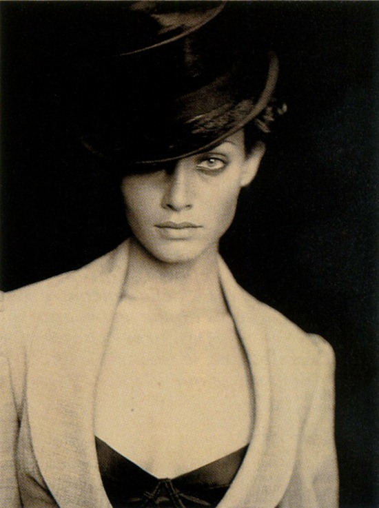 afterthenight:  Amber Valletta by Paolo Roversi for Vogue Paris May 1994
