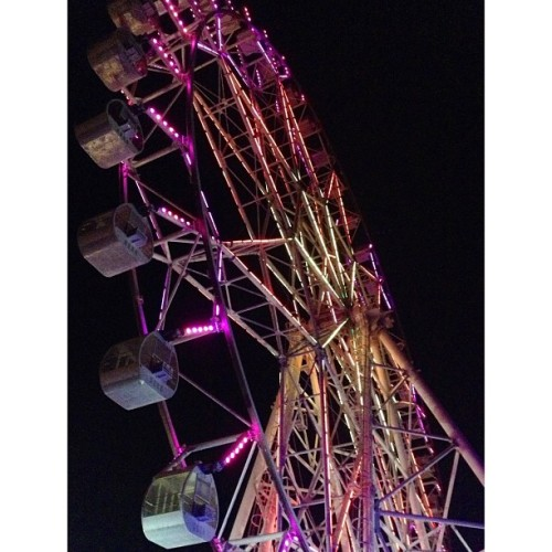 #ferriswheel another #colorful #lights i saw last night 😍