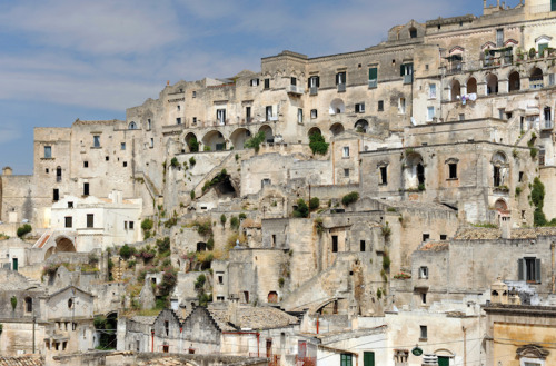 mymodernmet:  Tucked away in the once-abandoned caves of Matera, a little-known village in Southern Italy, lies the Sextantio Le Grotte Della Civita, a one-of-a-kind hotel built by Swedish-Italian entrepreneur, hotelier, and philanthropist Daniele Kihlgren. http://www.hotelnusa.com/