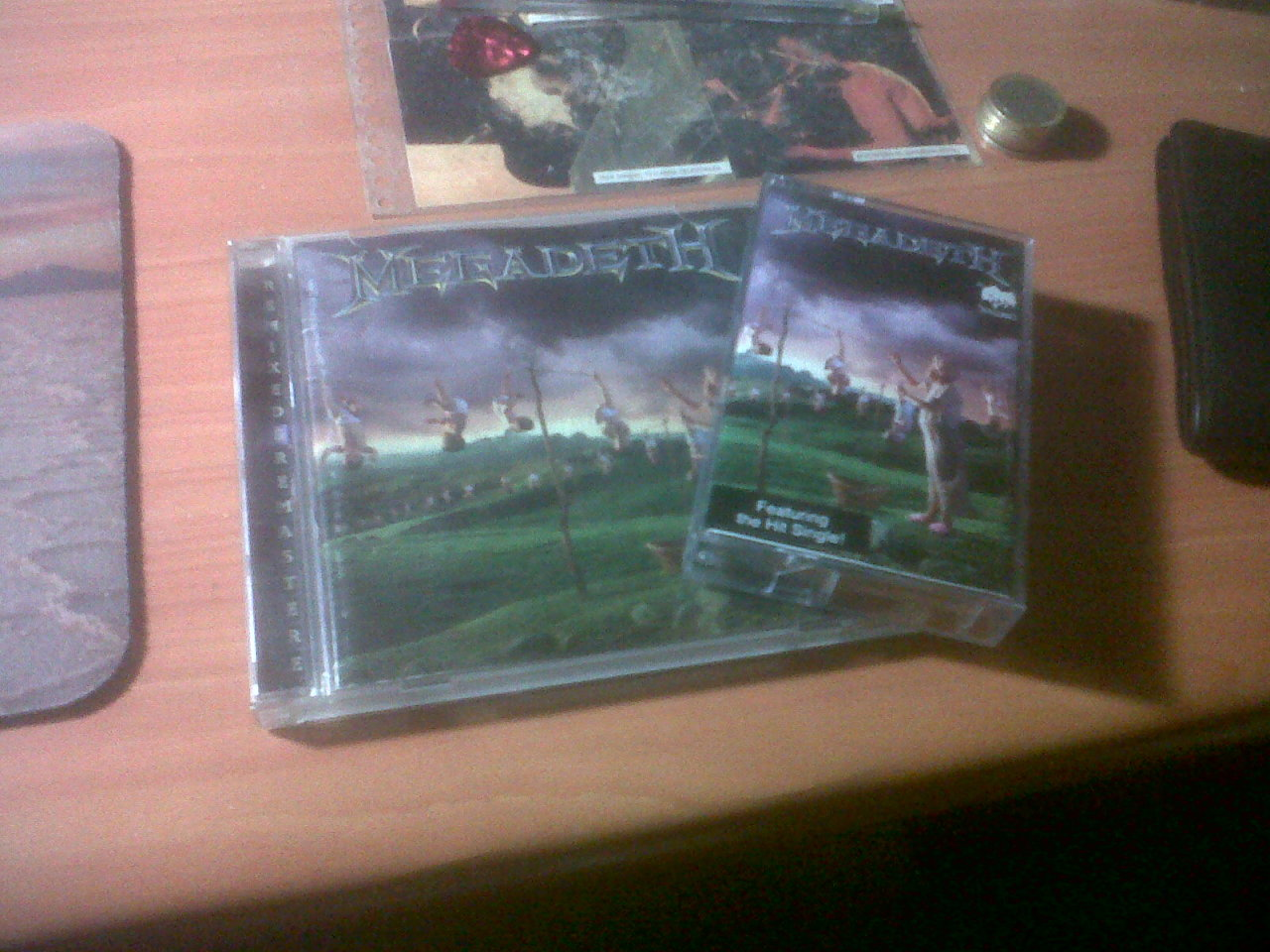 Youthanasia remastered and non-remastered
