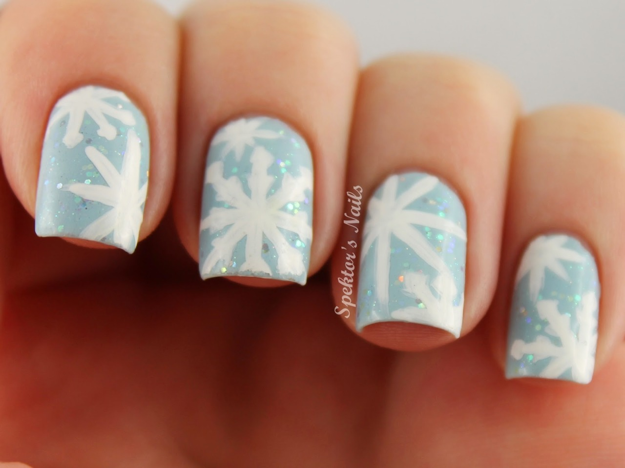 spektorsnails:  Blue Christmas Snowflake Nails