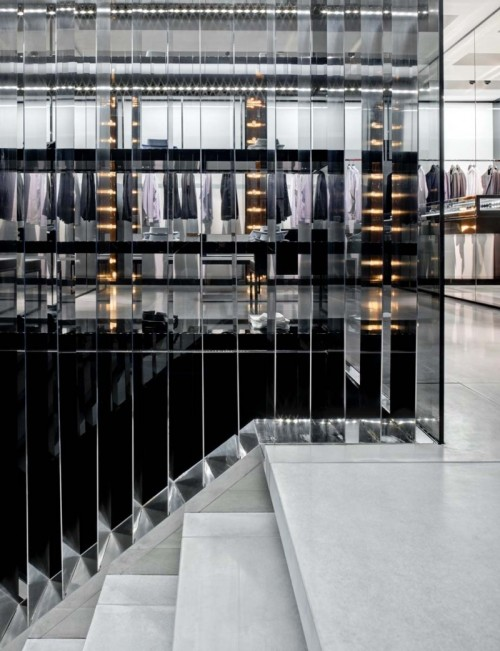 rafcrymons:  avliva:  DIor Homme 57th street NYC  crying