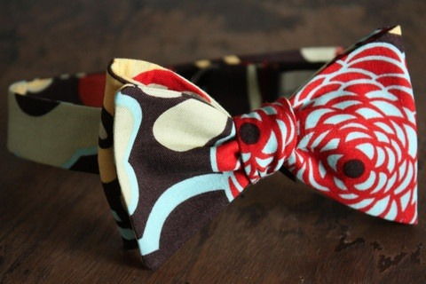 :: STYLE :: AWESOME bow tie! The colors and textures would work with anything.
