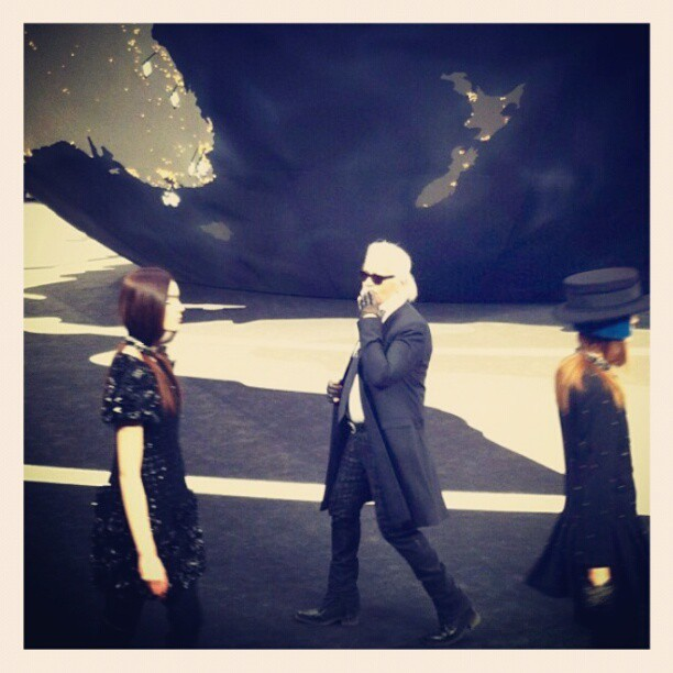 #Chanel #pfw #kissfromkarl #aroundtheworld #fashion