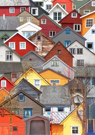 Norwegian Favelas (via Vazman Design Graphics)  this is goddamn amazing. Why the hell haven't I been invited yet?