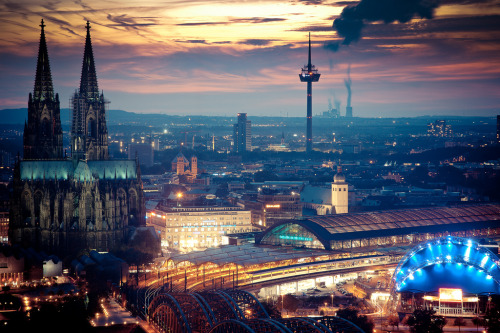 allthingseurope:  Cologne, Germany (by b_juhasz)