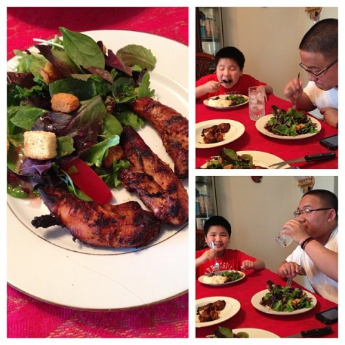 lunch/dinner with my little men. @mebekebin & I made spicy grilled chicken salad. so yummy! ❤😋👍