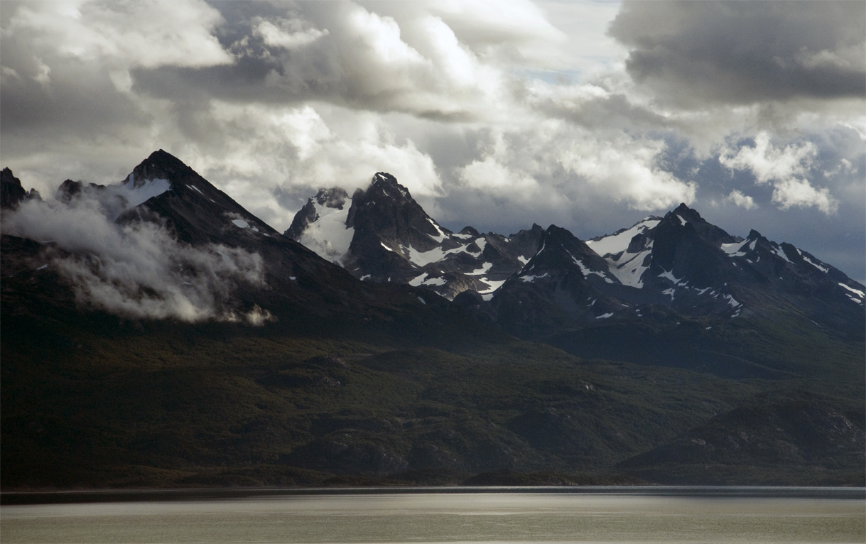 Across the Beagle Channel / A través del Canal Beagle Ushuaia, Argentina - © Diego Cupolo 2013