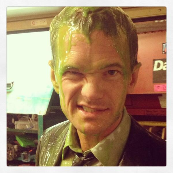 Sandra Bullock - Super fun getting slimed w/ Sandra Bullock at the #KCA. Less fun ruining my iPhone