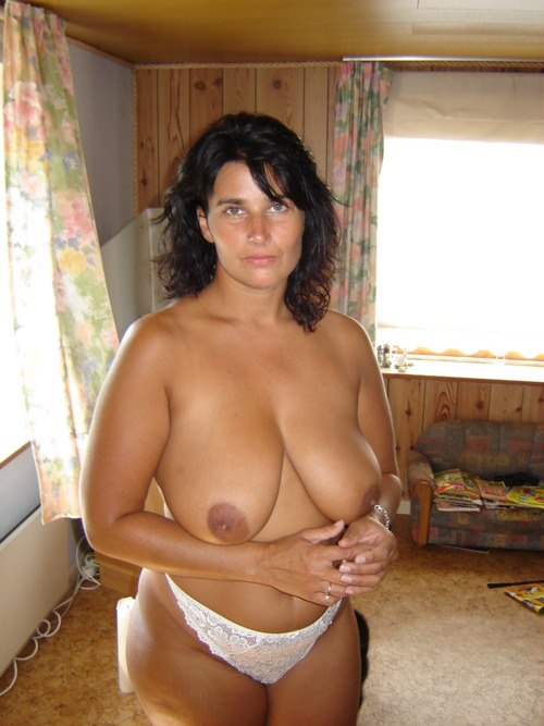 chubby-lady:  http://chubby-lady.tumblr.com/  Nice Mom