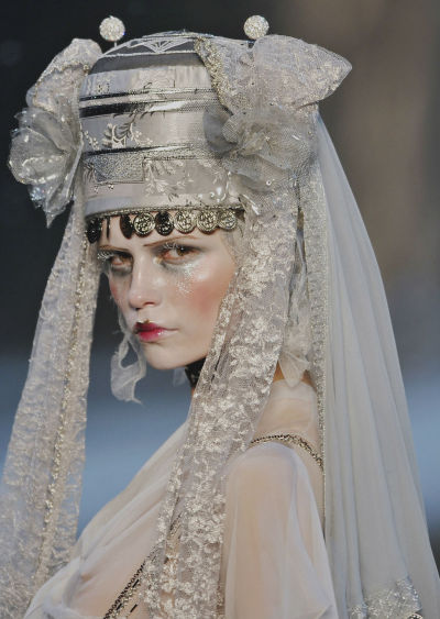 john-galliano-blog:   John Galliano Fall Winter 2009 Ready-to-Wear