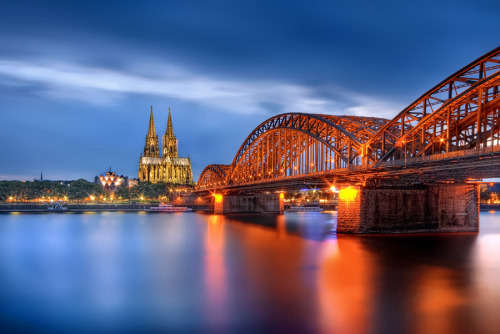 """Hohenzollern Bridge"" by Iván Maigua"