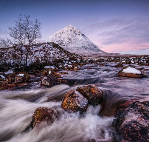 photonpixel:  Buachaille Etive Mòr by wilsonaxpe on Flickr.