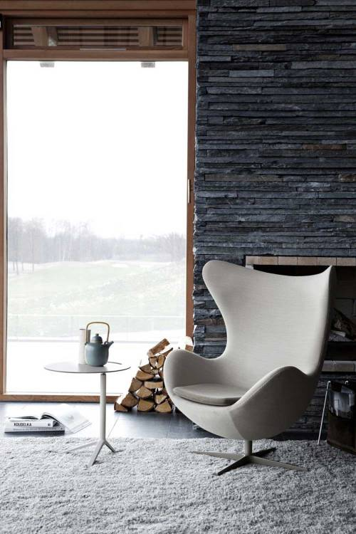 justthedesign:  Modern Living Room With The Egg Chair By Fritz Hansen
