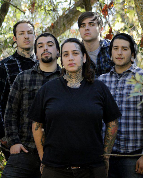 Hard of Heart Vocalist: Marisela A. Delgado Country: USA Genre: Metalcore / Deathcore Featured in video 47: http://www.youtube.com/watch?v=aIK_9MSNKos Other links: Facebook // ReverbNation