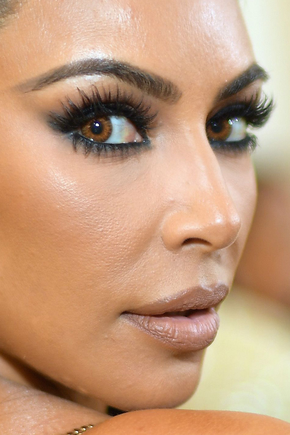 kim kardashian - met gala makeup