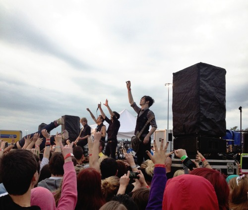 asspir33:  Crown the Empire Skate and Surf Festival May 18 2013