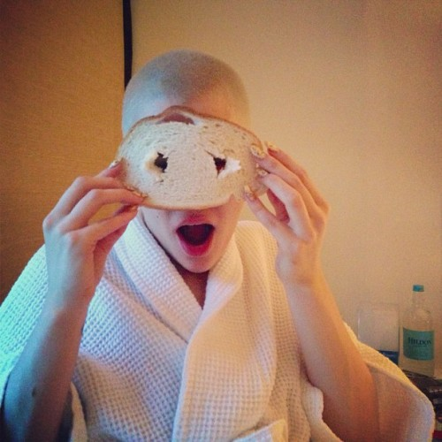 "celebsoninstagram:  Jessie J: ""Just woke up (NAT) and I've got bread head. Had to say I'd been asleep to make the joke work… I know I know…"" (http://instagram.com/p/Zi6KIxQ0Ua/)"