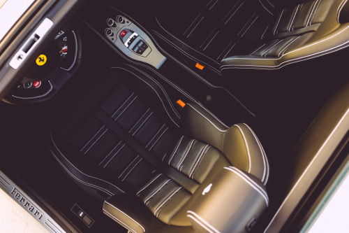 williamstern:  A look inside the Ferrari 458 Spider