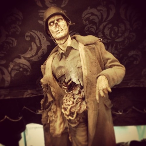 Monster Tuesday…a zombie German solder. @Monsterpalooza #zombie #monsterpalooza #monsterpalooza2013 #monster #undead #soldier #creative #creepy #conceptart #ugly #wicked #gross #terror #horror #hollywood #sculpture #convention #igforlife  (at Burbank, California)