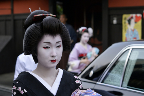 Geiko Ichiriki Kyoto by colodio on Flickr.geiko Kyouka
