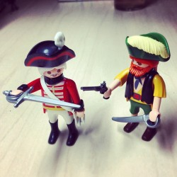 Finally the third new addition to my collection of #PlayMobil desk toys.